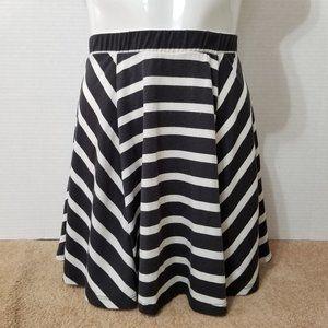 Mossimo skirt XS striped skater mini